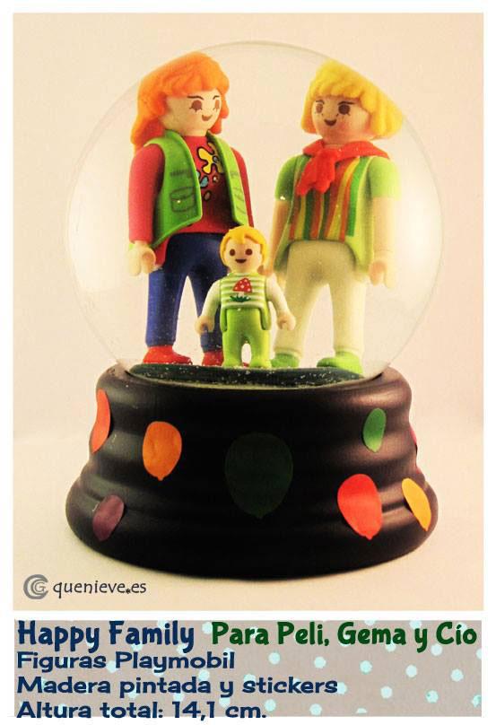 Bola de nieve personalizada con figuras playmobil. Creada por QueNieve