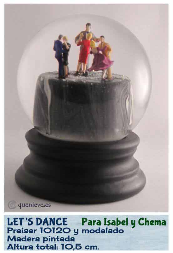 Bola de nieve personalizada con figuras Preiser. Creada por QueNieve