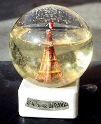Curiosidades sobre bolas de nieve. Bola de nieve de la exposición de París