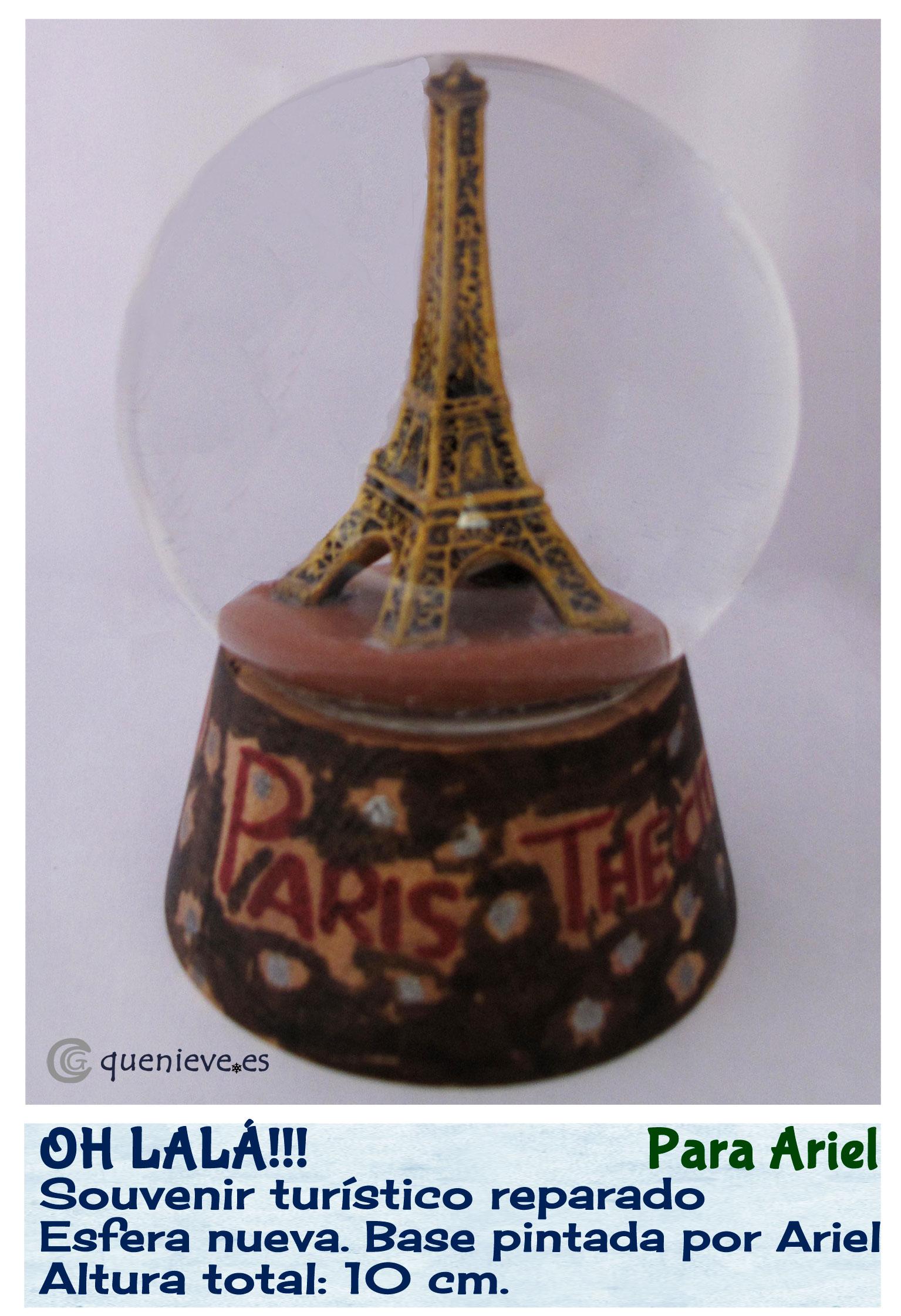 Bola de nieve con figura Torre Eiffel. Creada por Que Nieve
