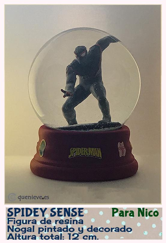 Bola de nieve personalizada con figura de Spidey Sense. Creada por QueNieve
