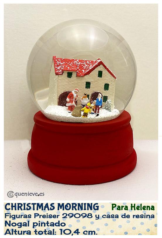 Bola de nieve personalizada con figuras Preizer. Creada por QueNieve